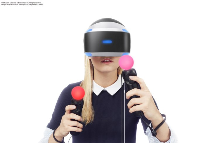 A girl playing with PSVR... unluckily she's not included in PSVR bundle